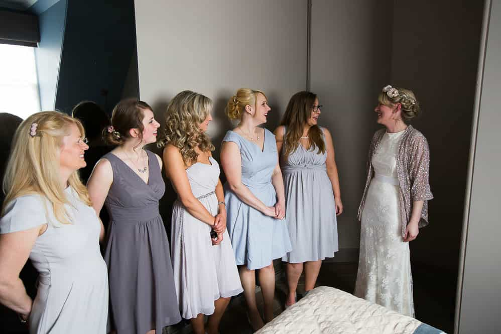 4 bride with bridesmaids