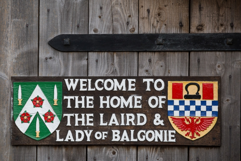2 welcome to balgonie castle sign
