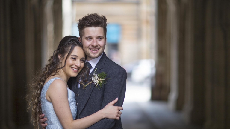 wedding photographer Edinburgh white tree photography beautiful newlywed couple