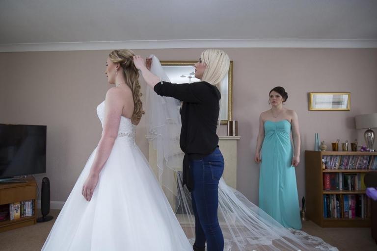 brig o doon wedding photographer bride putting on veil