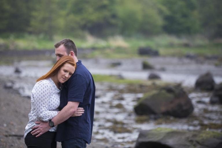 engagement photographer fife romantic couple on fife coastal path