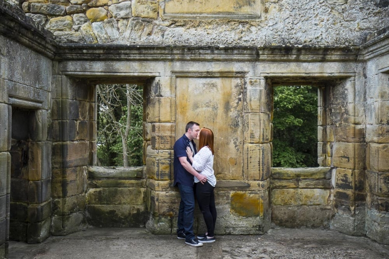 engagement photographer fife, couple kissing