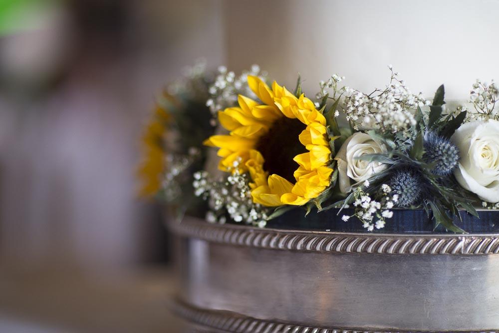 Invercarse Hotel wedding photography dundee - cake