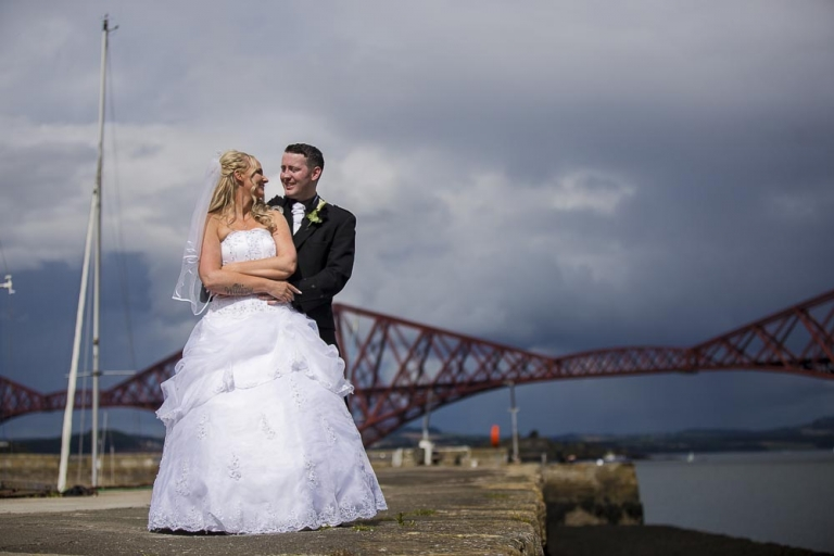 orocco pier wedding photography bride and groom with forth bridge view