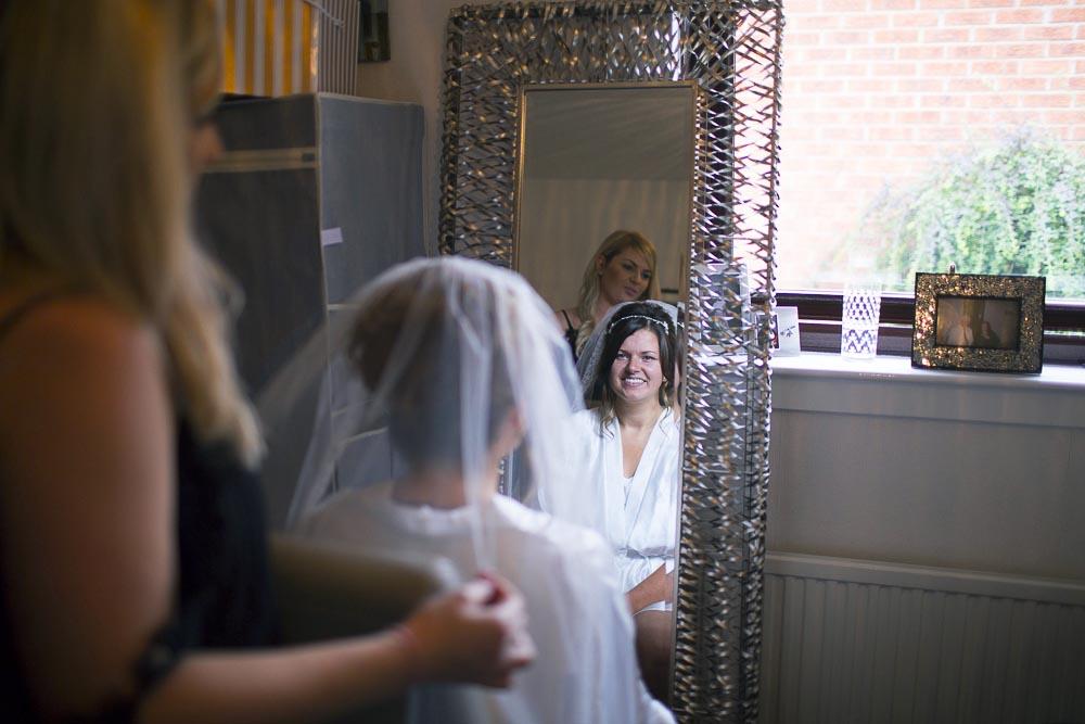 dunblane hydro wedding photography bride getting ready