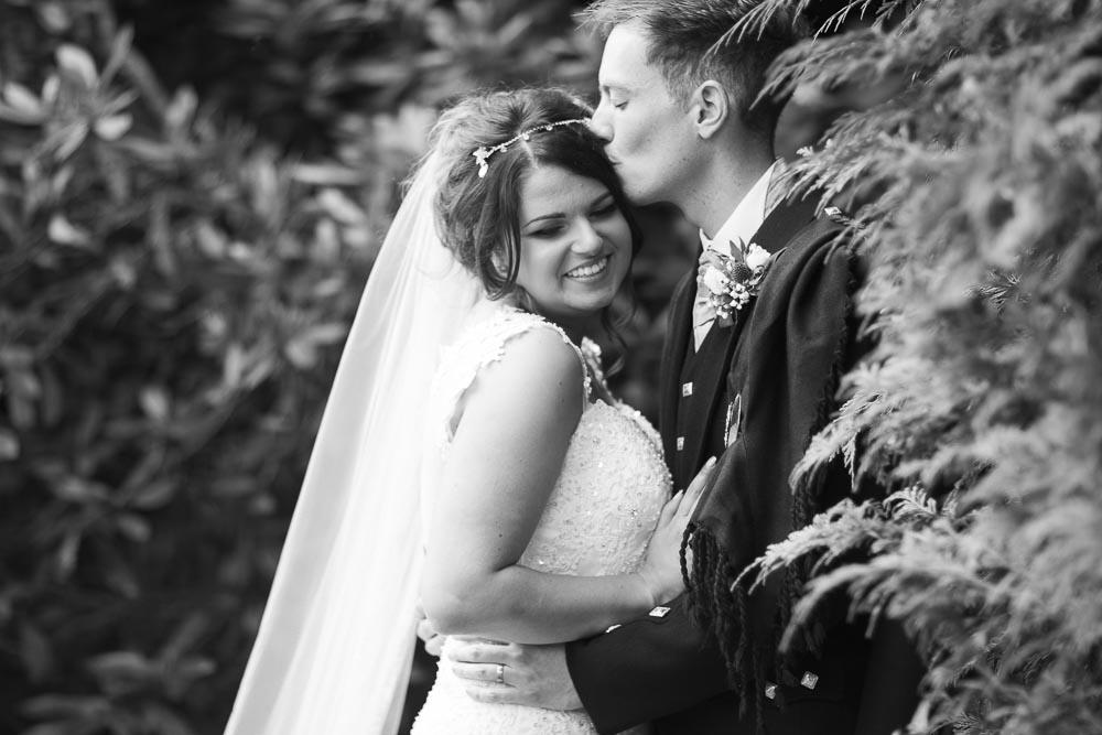 dunblane hydro wedding photography romantic couple